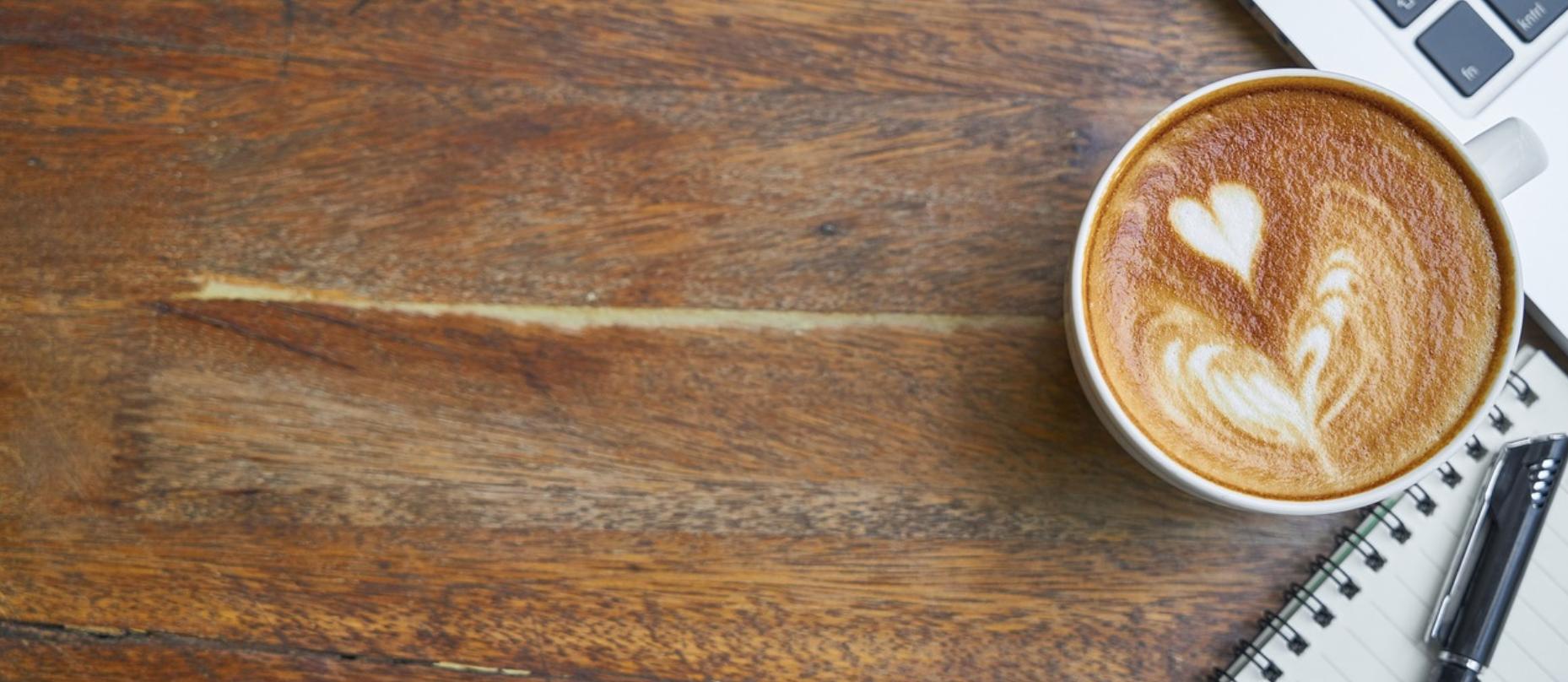 reggeli rutin kávé, ébredés, munka